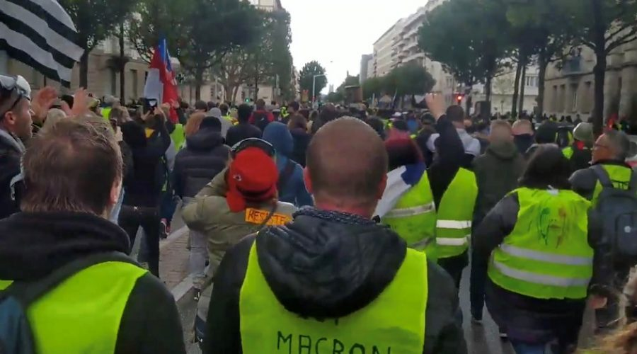 2019-04-27T180857Z_929209962_RC1D84CAC230_RTRMADP_3_FRANCE-PROTESTS.jpg